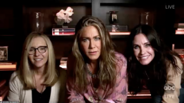 Η Jennifer Aniston, η Courteney Cox και η Lisa Kudrow έχουν το «Friends» Reunion στο 2020 Emmys